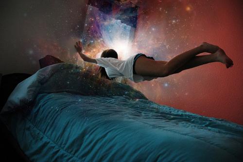 bed-dream-girl-magic-room-Favim.com-318097